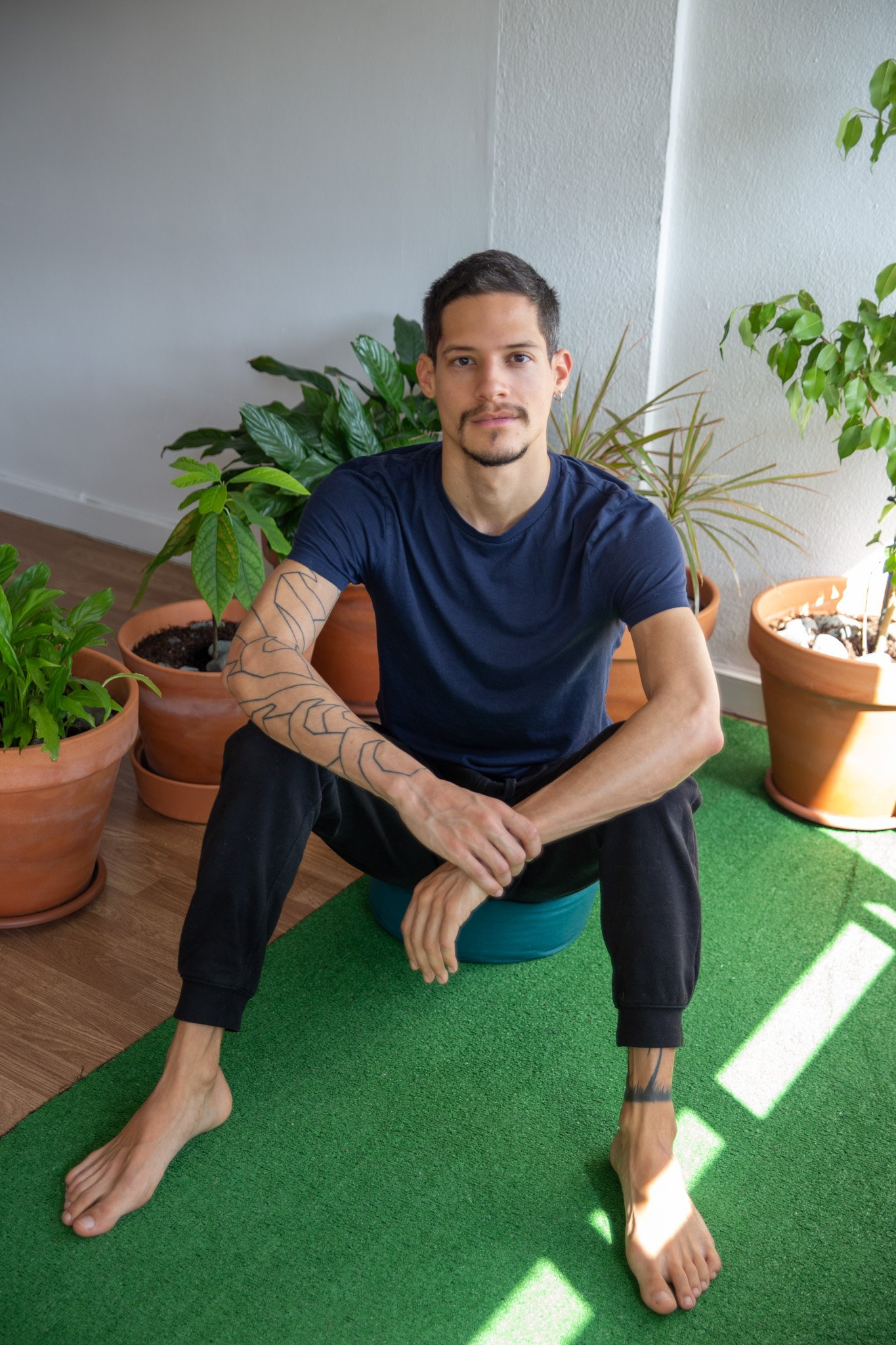 dan-padrino-daniel-padrino-meditation-instructor-mindfulnes-stay-mindful-corporate-meditation-program-online-meditation-2